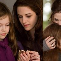Jak wygląda dziś filmowa córka Cullenów? Mała Mackenzie Foy naprawdę wyrosła!