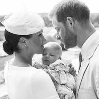 Mały Archie Windsor został ochrzczony! Mamy nowe zdjęcia. Do kogo bardziej podobny: do mamy czy do taty?