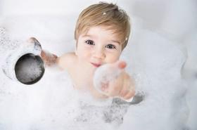 Kosmetyki naturalne - najlepsza pielęgnacja delikatnej skóry dziecka