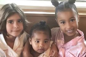 Córka Kourtney Kardashian, Penelope, świętowała 7. urodziny z kuzynkami. MOCNA ekipa!