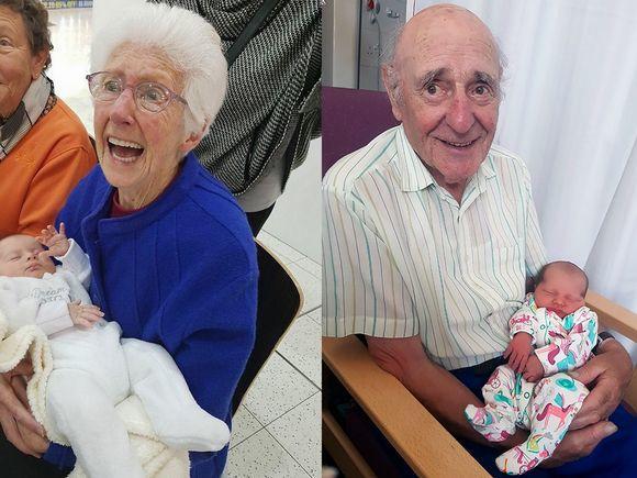 Dziadkowie, którzy po raz pierwszy widzą swoje wnuki. Galeria zdjęć, które wzruszają