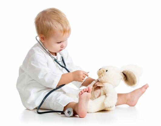 Jak rozpoznać u dziecka zachorowanie na ODRĘ? Jak leczyć dziecko? Choroba jest groźna?