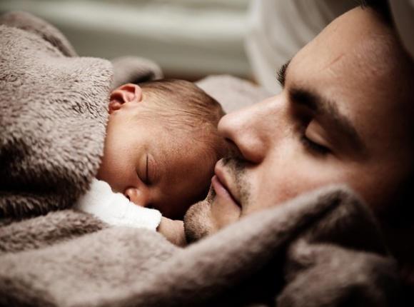 Poronienie, TEŻ męska sprawa. Ojcowie opowiadają o bólu po stracie dziecka