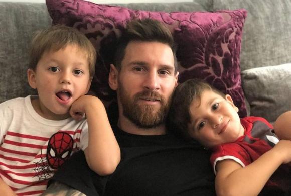 Synowie Messiego podbijają internet! Będą sławniejsi od taty?