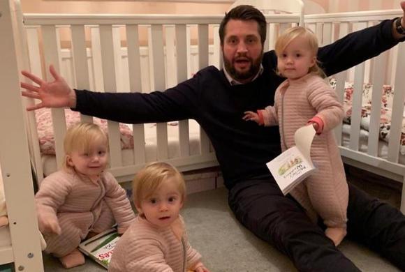 Bloger i tata trojaczków zarabia publikując zdjęcia dzieci na Instagramie. Będę pozować, póki się nie sprzeciwią...