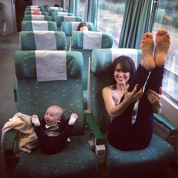 Jak matka, taka córka: ponad 20 zdjęć, które ukazują tą wyjątkową więź - uśmiech gwarantowany!