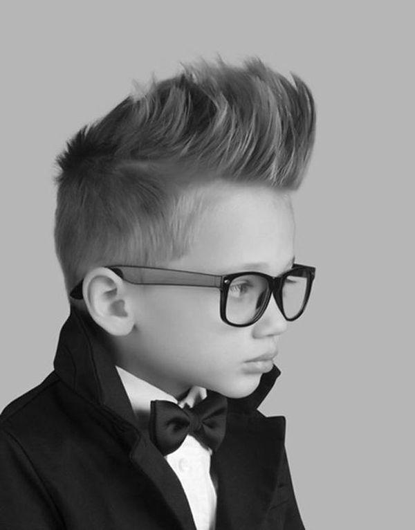 Pomysły na fryzury z irokezem dla chłopców - idealne cięcia na wiosnę