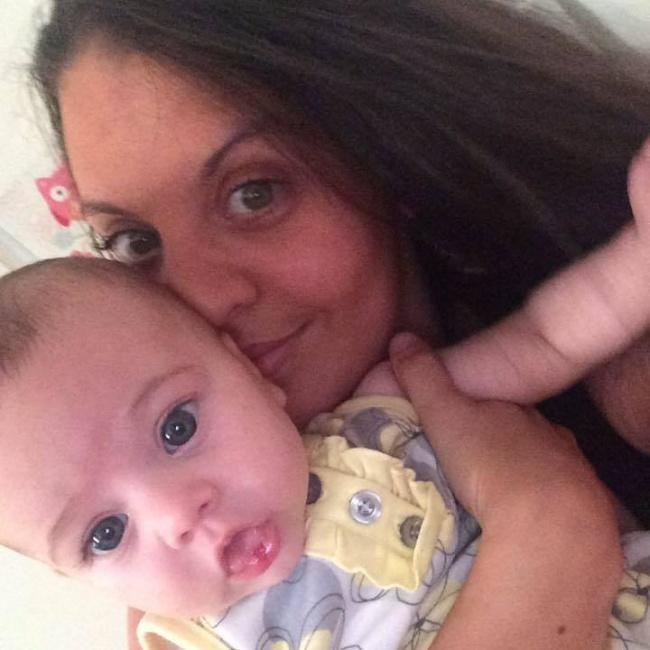 Matka udusiła dziecko własnym ciałem PODCZAS SNU. Miał na to wpływ jeden fakt...