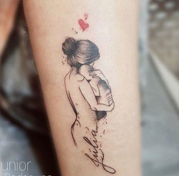 Tatuaże dla mam – 20 wzorów podkreślających niezwykłą więź z dzieckiem