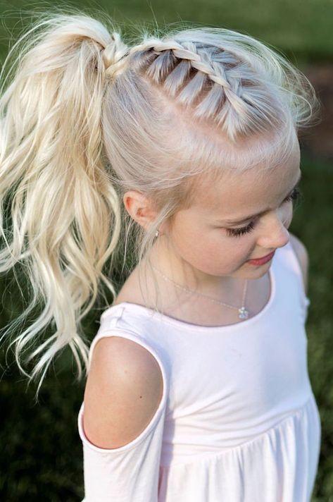 Dziewczęce fryzurki na lato - śliczne i bardzo wygodne!