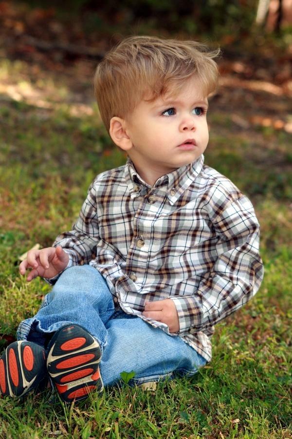 Fryzury dla małych przystojniaków – pomysły na oryginalne cięcia