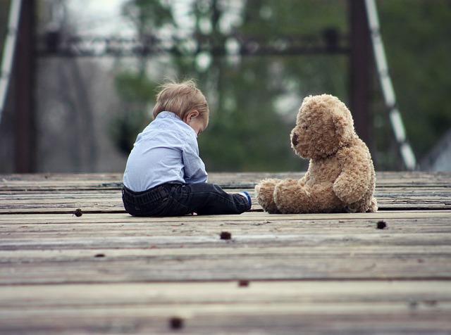 """""""Przyjaźń na niby"""" jest OK! Oto powód, dla którego warto mieć wyimaginowanego przyjaciela"""