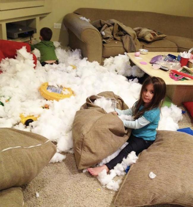Co się dzieje, kiedy dziecko zachowuje się podejrzanie cicho? Te zdjęcia rozkładają na łopatki!