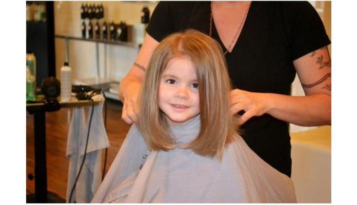 Krótkie i półdługie cięcia włosów dla małych księżniczek