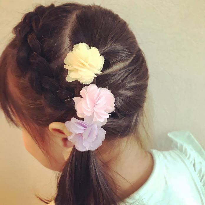 Fryzury dla dziewczynek ze ślicznymi gumeczkami, kokardkami i innymi ozdobami - urocze!