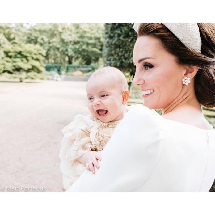 Pałac Kensington opublikował zdjęcia z chrztu małego księcia Louisa - internauci są zachwyceni!