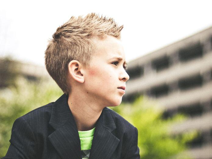 Klapsy są niebezpieczne dla zdrowia dziecka! A oto KOLEJNY powód, by z nich zrezygnować...