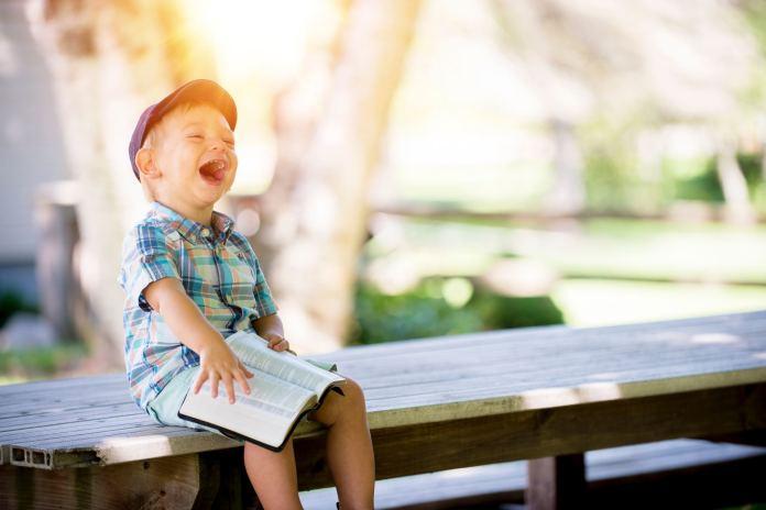 Sześć sprawdzonych sposobów, jak rozwinąć w dziecku inteligencję emocjonalną!