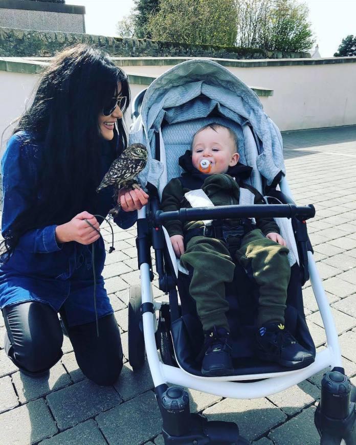 Ta mama dzielnie walczy, by być jak najdłużej ze swoim synkiem, lecz w głowie ma tykającą bombę zegarową...
